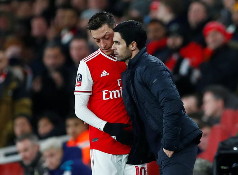 Ozil left out of Arsenal's Europa League squad